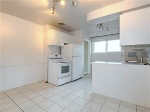 Aurora banglow basement incld for rent 2000/mon, Yong&Wellington