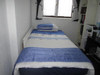 Quilt cover, matching pillowcases and bed runner - blue and white - double bed size
