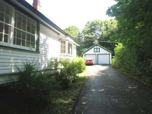 16-052  Charming cottage on Shore Dr., Bedford,  Dbl Garage