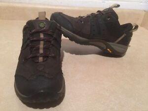 Women's Merrell Vibram Hiking Shoes Size 8 London Ontario image 1