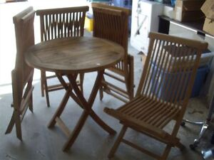 SHOW HOME FURNITURE AND DECOR UNRESERVED AND SELLING THURSDAY
