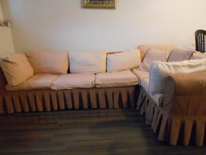 Cameo Sectional w/ pull out Bed