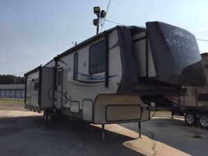 fifth wheel 2013 Sunset Trail - 3 extentions 23995$ - 32 pieds