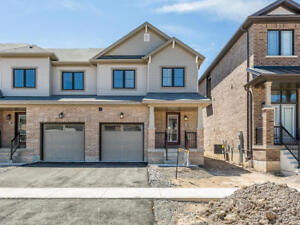 Brand New End Unit Townhouse in Stoney Creek