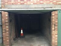 Spacious Secure Garage to let- Last garage in the pathway