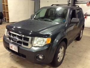2008 FORD ESCAPE XLT AUTO  LOADED  NEW SNOW TIRES