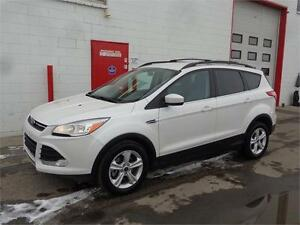 2014 Ford Escape AWD ~ Nav ~ Backup Cam ~ Heated seat ~ $15,999
