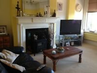 2 x Double rooms with en suite bathrooms in beautiful sea front location
