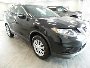 2015 Nissan Rogue  **TWO SETS OF TIRES-FINANCING AVAILABLE**