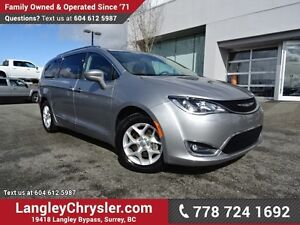 2017 Chrysler Pacifica Touring-L Plus ACCIDENT FREE w/ DUAL H...