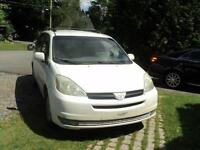 2004 TOYOTA SIENNA LE   AWD 4X4 CLIMATISEE 7PLACES
