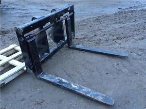 WBM Wheel loader forks for IT28/930 cat