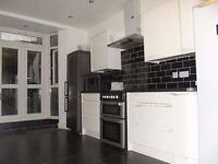 5 min to station, Double Bedroom for single person, Bills Included, 3 toiletsdgiongf