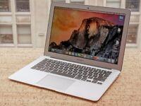 "Macbook AIR 2015 - 13"" - i5 - 4GB - 128GB . 1 year apple care ,Final cut , Logic Pro , Office 2016"