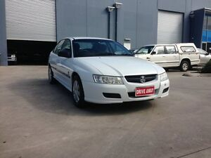 2004 Holden Commodore VZ Executive White 4 Speed Automatic Sedan Newport Hobsons Bay Area Preview