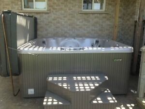 YEAR OLD BEACH COMBER HOT TUB 7 PERSON