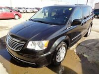 2014 Chrysler Town & Country Touring *3rd Row-Multizone Climate*