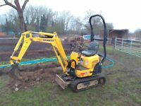 1.5t and 0.8t Mini Micro Doorway Digger for Hire in Surrey and the South East