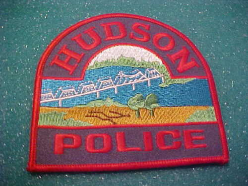 HUDSON WISCONSIN POLICE PATCH SHOULDER SIZE UNUSED