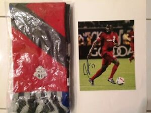 Jozy Altidore -TFC Autographed 8x10 picture and TFC Scarf