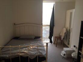 Beautiful bright room in iconic Saffron Tower in Croydon