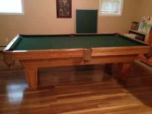 Brunswick Pool Table and brand new ping pong table topper