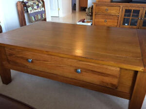 In Vegreville All wood, Gorgeous coffee table with large drawer