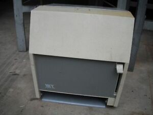 Garage paper towel dispenser, free