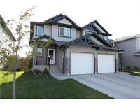 Immaculate 1/2 Duplex in Eaux Claire