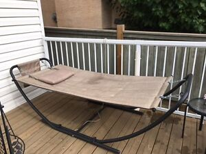 Hammock buy or sell patio garden furniture in calgary for Outdoor furniture kijiji