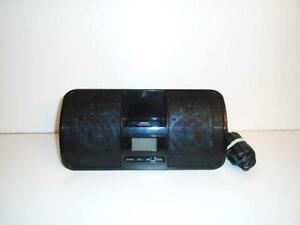 PORTABLE AM-FM RADIO / AUXILLIARY SPEAKER