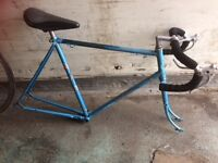 RETRO CLASSIC PROJECT BIKE, COMES WITH RETRO WHEELS AND TYRES