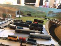00 gauge model railway layout on 6' x 4' board.