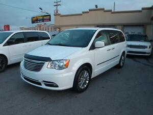 2015 Chrysler Town & Country Touring-Cuir-7pass-DemDist a vend