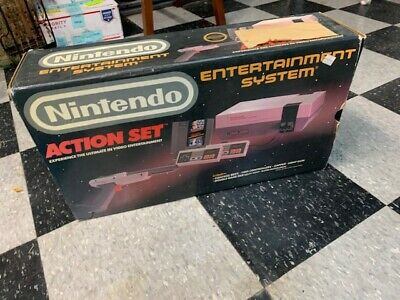Nintendo NES-001 Action Set original packaging pristine condition works perfect