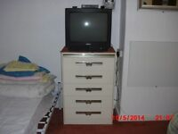 CHEST OF SPACIOUS DRAWERS WITH 5 DRAWERS FOR SALE. ONLY £28.00 FY1 AREA.