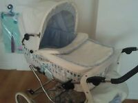 Beautiful classic pram with natural hand-woven wicker & leather, blue - with accessories