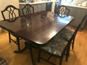 Beautiful Teak Wood Dining Table w 6 Chairs (Table Seats 10)