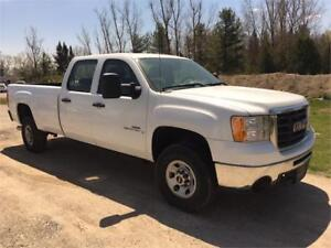 2009 GMC Sierra 3500HD, Crew Cab, 8Ft. Box