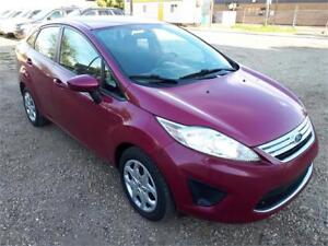 2011 Ford Fiesta SE-ONE OWNER-CLEAN CARPROOF