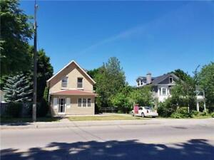 House for Sale in Newmarket at Bayview Ave