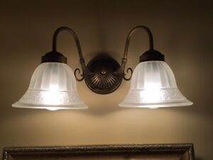 Bathroom two-light fixture - Antique Bronze