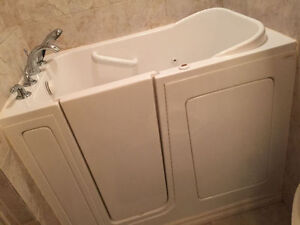 SafeStep walk-in Therapy Tub