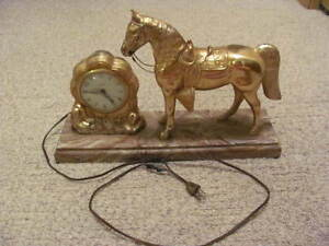 Horse Clock Vintage United Clock & Horse Standing Classic Works!