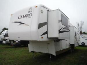 2008 Carriage Cameo 35SB3 5th wheel- 3 slides- washer/dryer