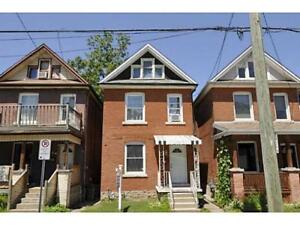 JUST LISTED! INVESTMENT PROPERTY WITH TENANT!