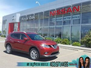 2016 Nissan Rogue SV Moonroof and Technology PKG