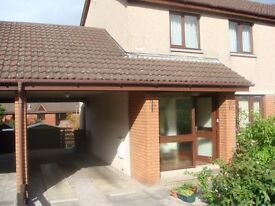 3 bedroom semi-detached house- walking distance to Town centre and Infirmary.