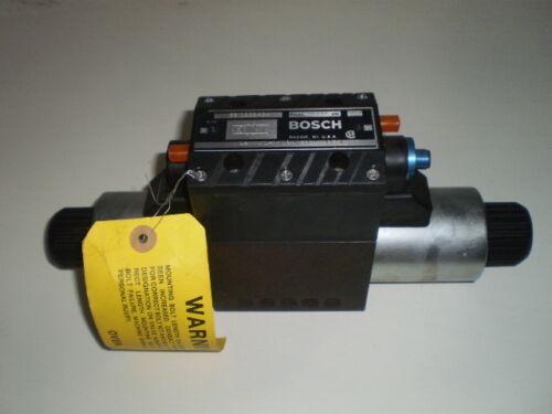 BOSCH REXROTH 9810232494 DIRECTIONAL CONTROL VALVE 4600 PSI NEW  NOS