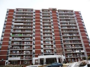 BEAUTIFUL 2 BR AVAILABLE IN PORT CREDIT (UTILITIES INCL)